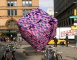 agata-olek-astor-place-cube-crocheted-00